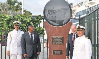 Het beeld waarop de afbeelding van het schip te zien is, staat aan de Mathey Werf.