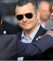Minister President Gerrit Schotte tracht tevergeefs VDC-Hoofd Gumbs te ontslaan