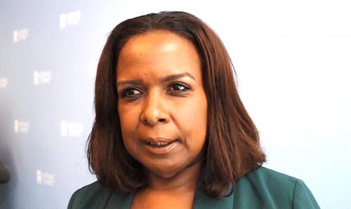 Gevolmachtigde Minister Marvelyne Wiels vervangt Curacaohuis personeel via truuk