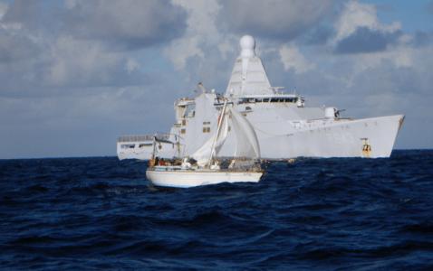 Kustwacht redt twee zeilers bij Sint Maarten
