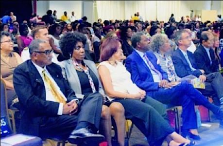 De startconferentie van het RKCS in het WTC werd bijgewoond door onder andere minister Irene Dick van Onderwijs.