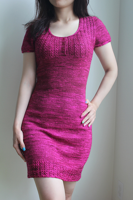 Modification Monday: Alice in Wonderland Dress| knittedbliss.com