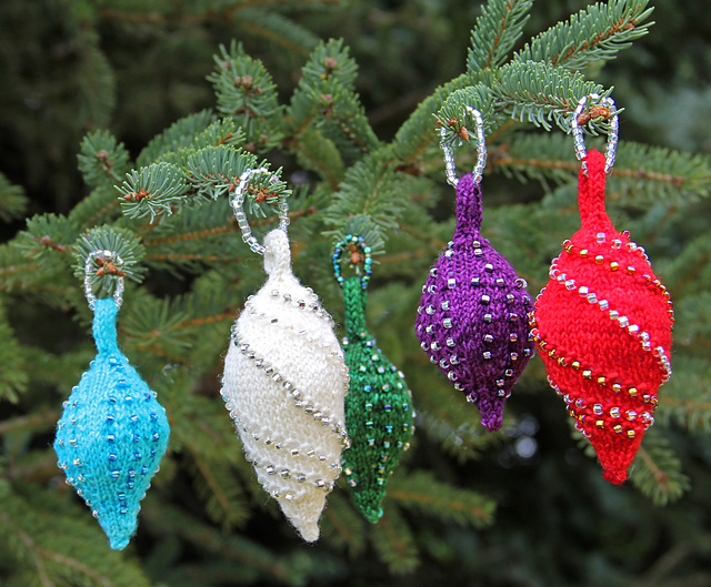 Holiday Knitting: Laura Nelkin| knittedbliss.com