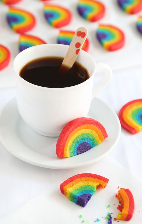 Pin Ups and Link Love: Rainbow Cookies | knittedbliss.com