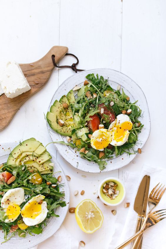 Pin Ups and Link Love: Mediterranean Breakfast Salad | knittedbliss.com