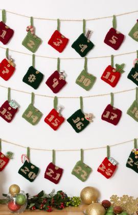 knit advent pockets