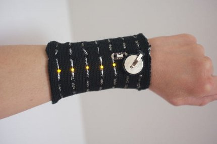 check out this amazing knit circuit wristband!
