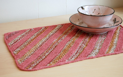 knit some bias knit table mats for your summer table