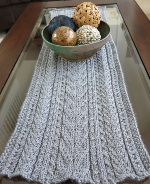 Knit a table runner before the big food holidays!