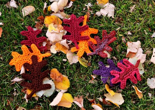 Knit an Oak Leaf for Fall