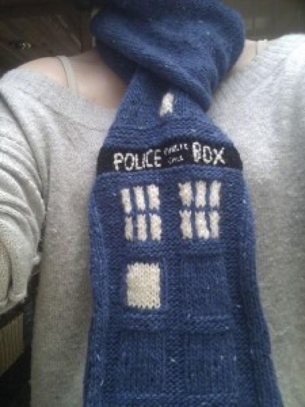 tardisscarf