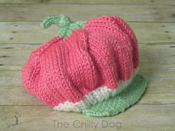 knit a sweet strawberry hat for a baby