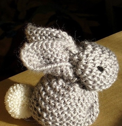 knit bunny from a sqaure