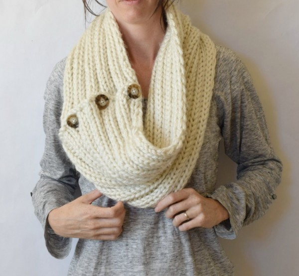 Knit a giant ribbed cowl you can wear two ways.
