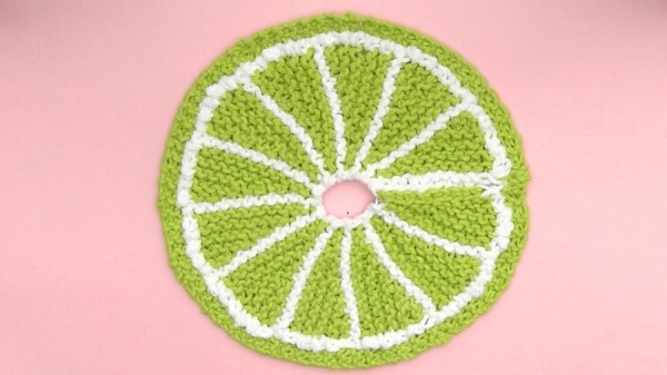 knit fruit slice washcloth