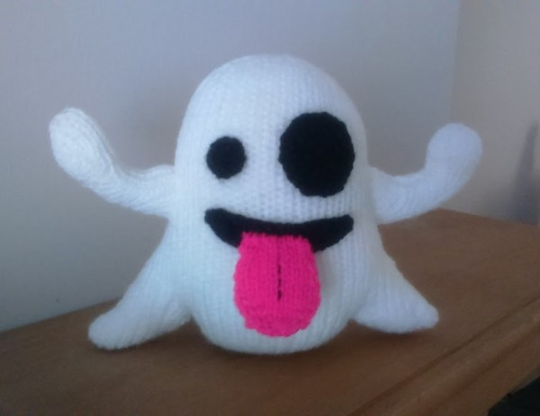ghost emoji knitting pattern