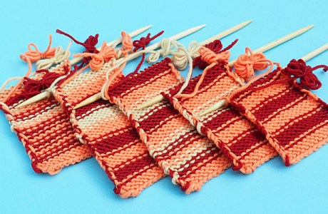 Ways to Carry Yarn Up the Side While Knitting Stripes