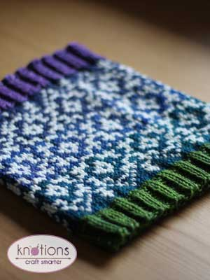 Cozy Up to This Stranded Knit Cowl