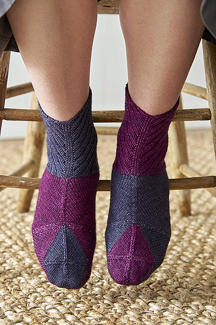 A Fascinating Way to Knit Socks