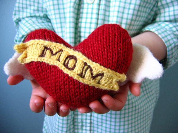mom heart tattoo pillow knitting pattern