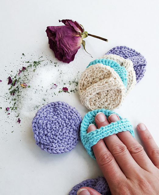knit facial scrubbies