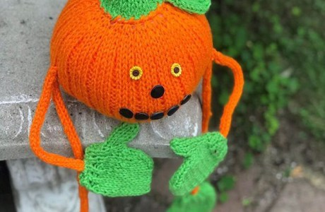 Knit a Sweet Pumpkin Person for Fall