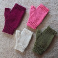 A Super Easy Pattern for Fingerless Gloves
