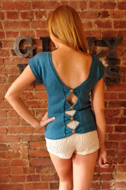 with sprinkles on top knitted ice cream t-shirt with bow back and buttons knitting pattern 4