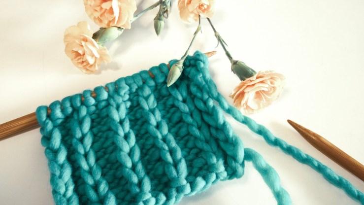 The slip stitch rib pattern with a slip stitch chain selvedge