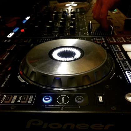 http://knobstudio.com.mx/wp-content/uploads/2015/09/BDC3-Diplomado-en-Electronic-Music-DJ-Set.png