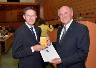 Verleihung des Großen Goldenen Ehrenzeichens für Verdienste um das Land Niederösterreich, Copyright: NLK Pfeiffer