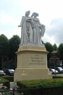 Standbeeld Gebr van Eyck - Statue