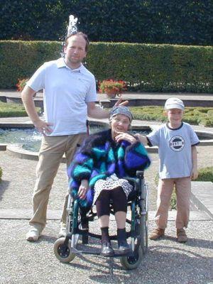 Herrenhausen, August 2003, Dirk, Oma und Aaron