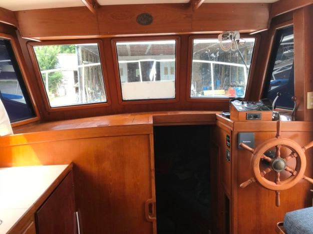 Main Cabin Helm & Forward View