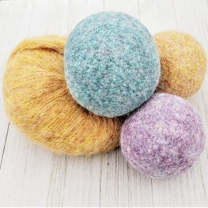 hypoallergenic dryer balls made with alpaca yarn