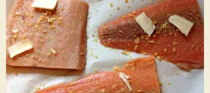 super easy gluten free baked salmon from knowgluten.me - quick meal!!