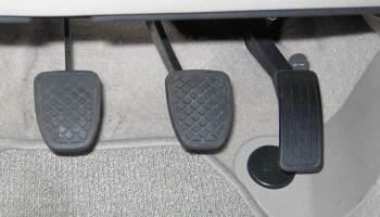 10 Ways Your Car Is Warning That You Need Brake Servicenapa