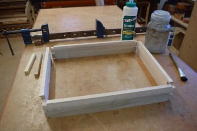 Glueing sides