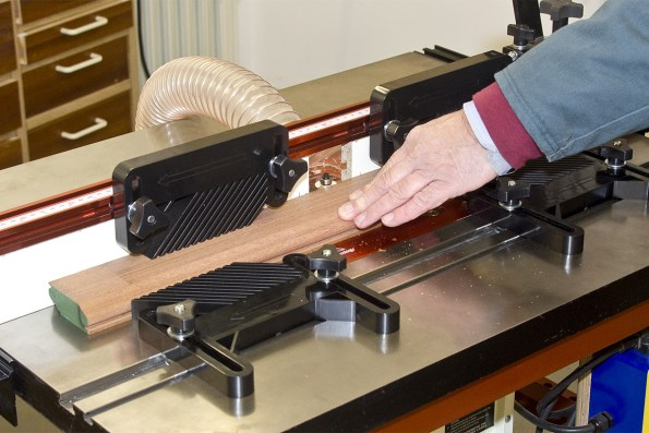 How to set up your router table the knowledge blog featherboards keep your fingers away from the cutter greentooth Images