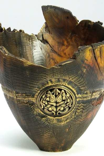 Lot 33: Nick Agar - natural edged bowl with brass insert (Sweet Chestnut)