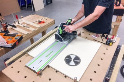 UJK Technology Multifunction Workbench