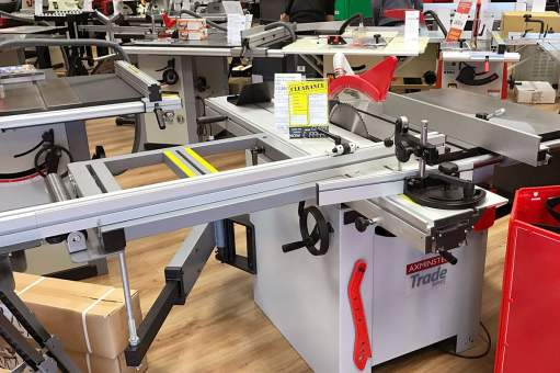 Axminster Trade Series panel saw