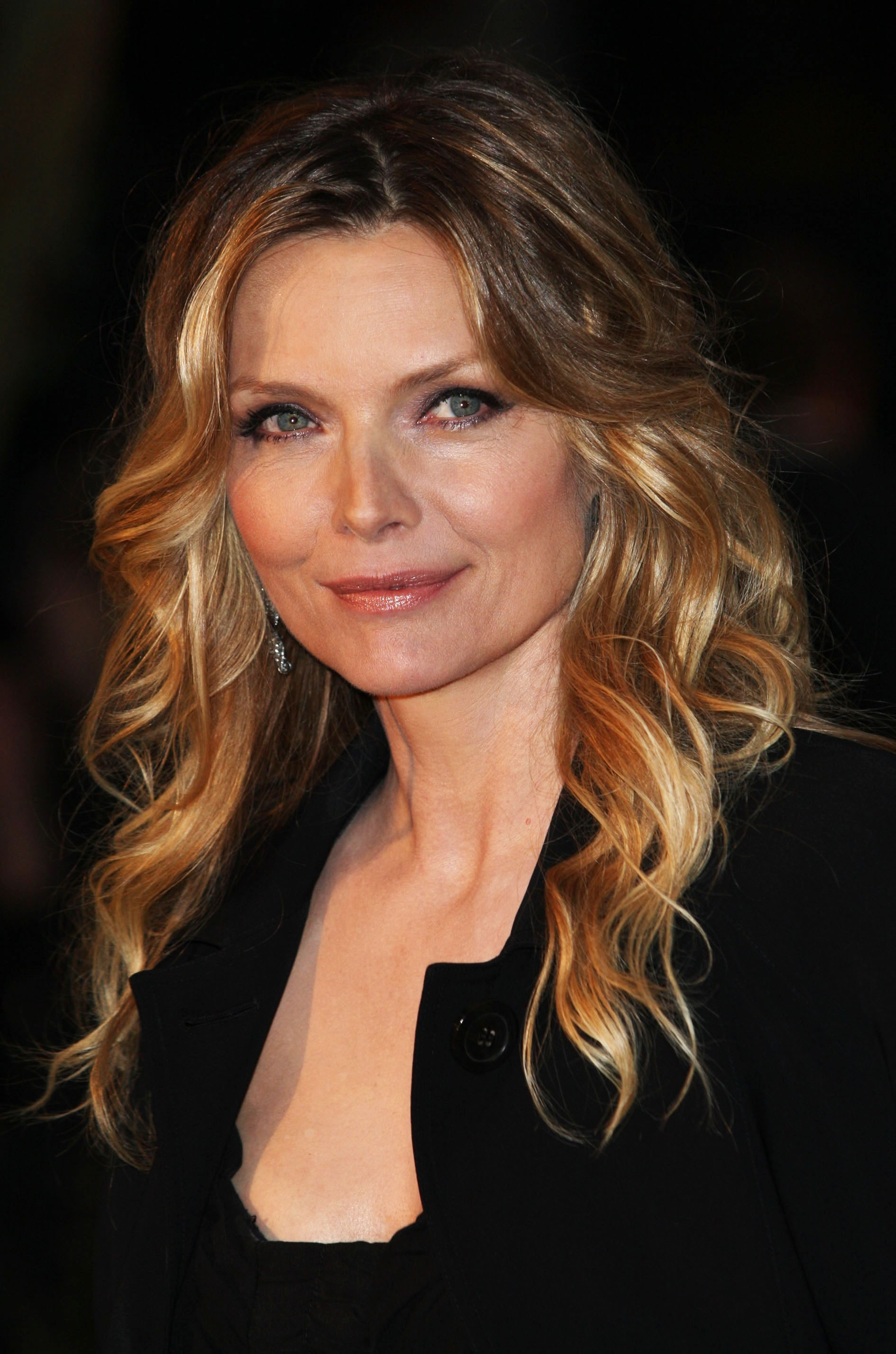 Michelle Pfeiffer Known People Famous People News And