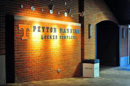 peyton_manning_locker_complex