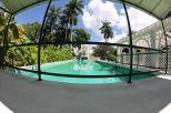 Der Pool von Thomas Edison - sogar mit zwei Sprungbretten