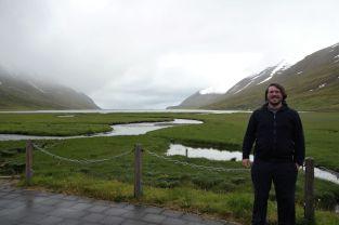 Auf dem Weg nach Akureyri kommen wir immer wieder an kleinen Einbuchtungen des Meers vorbei.