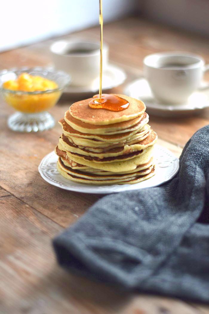 Pancake Breakfast - Pancake Frühstück - Pancakes with maple syrup (2)