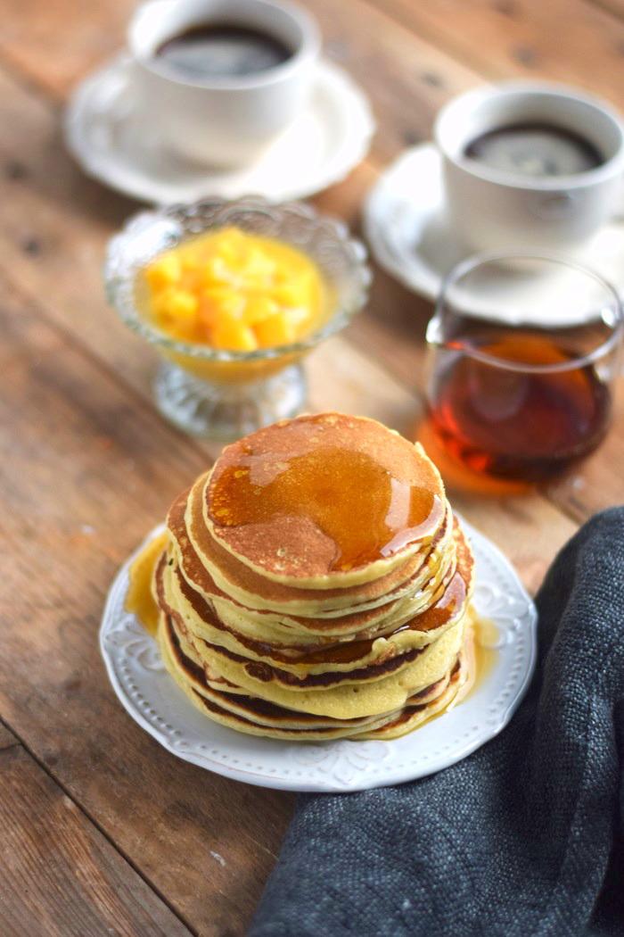 Pancake Breakfast - Pancake Frühstück - Pancakes with maple syrup (5)