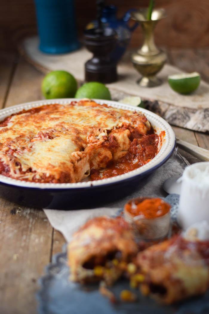 Tortillas - Enchiladas mit Chili Füllung und Käse überbacken (11)
