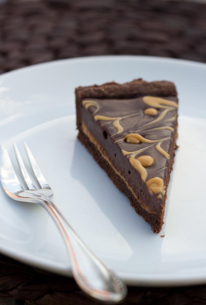 Chocolate-Peanutbutter-Tarte2-693x1024
